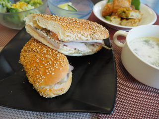 Hola!今日の昼食はキューバ風です。