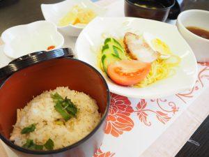 本日の昼食です。
